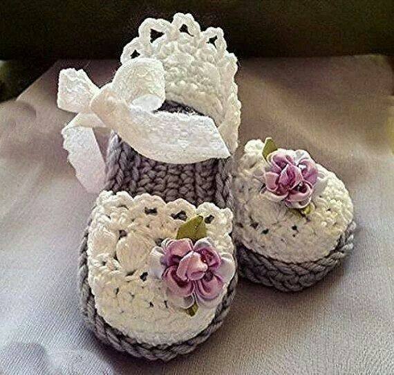 Amazing-Well-Designed-Crochet-Sandals-For-Kids-2015-8