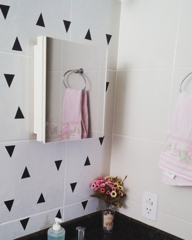 decoracao-com-papel-contact-banheiro