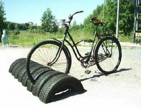 pneu-estacionamento-bicicleta
