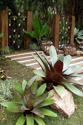 casa-da-cris-bromelia-jardim