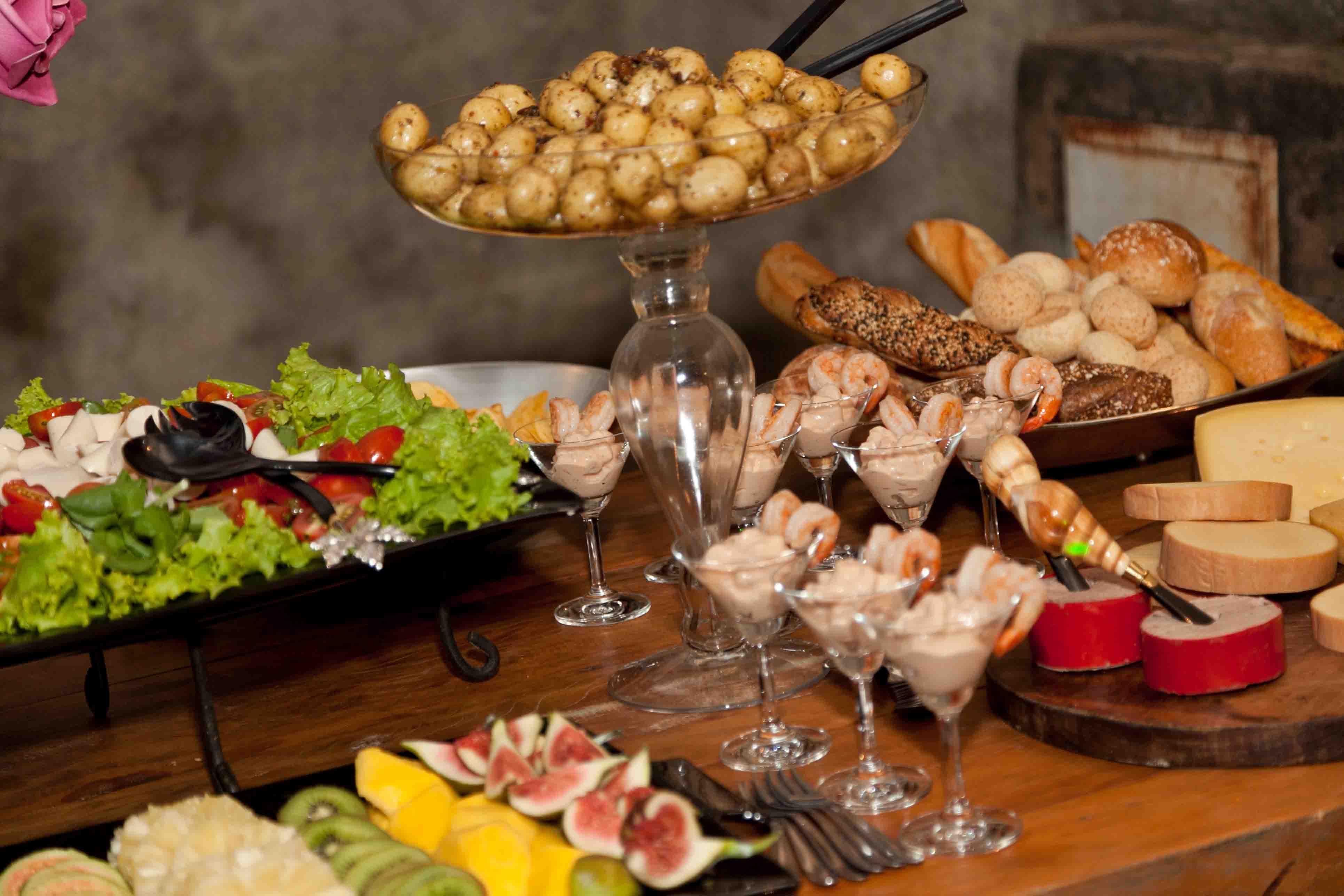 casa-da-cris-brunch-saladas-batatas