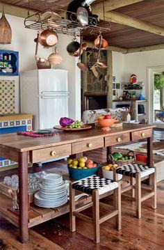 casa-da-cris-cozinha-de-roca-mesa