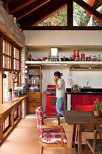 casa-da-cris-cozinha-de-roca-pia-vermelha