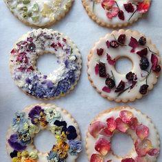 casa-da-cris-flores-biscoitos