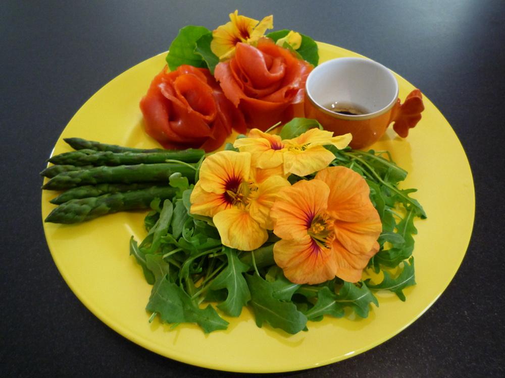 casa-da-cris-flores-salada-capuchina