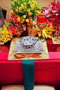 casa-da-cris-mesa-colorida-flores-marrocos