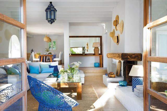 decoração estilo mediterraneo em branco e azul