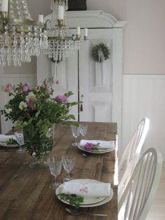 casa-da-cris-cottage-mesa-e-armario