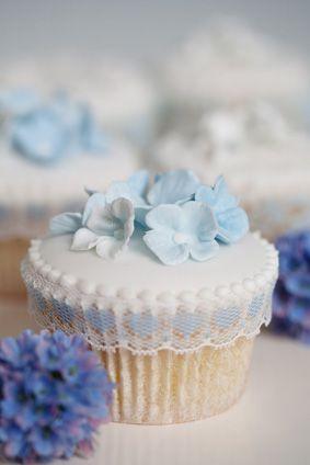 casa-da-cris-cupcakes-flor-azul