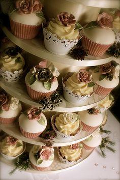 casa-da-cris-cupcakes-stand