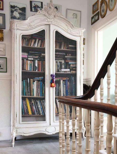 casa-da-cris-guarda-roupas-livros