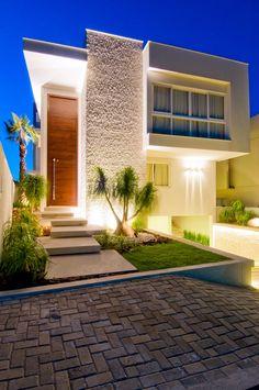 casa-da-cris-iluminacao-fachada-casa