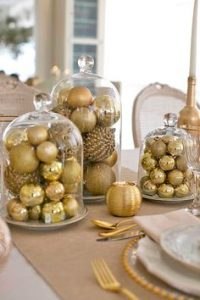 casa-da-cris-natal-dourado-bolas