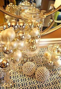 casa-da-cris-natal-dourado-bolas-potes